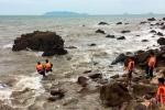 Ba du khách Hà Nội bị sóng cuốn khi tắm ở biển Thanh Hóa