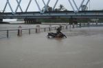 Miền Trung mưa to suốt 2 ngày tới, dân lo lắng đối phó ngập lụt