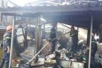 Cứu sống 2 người ngủ say trong vụ cháy chợ ở Bình Định