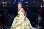 Đoan Trang lộng lẫy trên sân khấu, tự tin thể hiện liên khúc nhạc Pháp