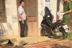 Nam thanh niên chết gục trên xe máy bên ngôi nhà hoang ở Thái Nguyên