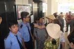 Bi thu Nguyen Thien Nhan den tham, dan Thu Thiem vay kin trinh bay buc xuc hinh anh 6