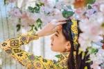 Hot girl Sài thành khoe sắc bên hoa mai