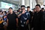 Nhóm nhạc Hàn Quốc WINNER 'ngộp thở' trong vòng vây fan Việt