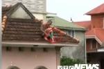 Khống chế kẻ đưa cháu bé 1 tuổi lên nóc nhà rồi ném xuống đất
