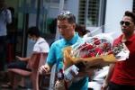 Minh Thuận bật khóc, thích bó hoa Đàm Vĩnh Hưng mang tới tặng
