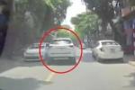Clip: Tài xế Mazda CX-5 đánh võng trên phố như say rượu và cái kết như phim hành động