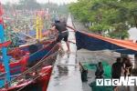 Ảnh: Bão số 4 hoành hành trên đảo Bạch Long Vĩ, Hải Phòng căng mình phòng chống