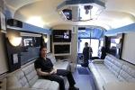 Bên trong xe buýt giải rượu như thiên đường của 'ma men' Mỹ