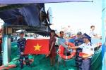 Cảnh sát biển đồng hành cùng ngư dân huyện đảo Lý Sơn