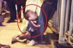 Xót xa cảnh con nhỏ gào khóc ôm chân người mẹ định tự tử trên cầu