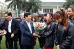 Bộ trưởng Bộ VHTTDL Nguyễn Ngọc Thiện thăm và chúc mừng ĐT nữ Việt Nam