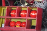 Cận cảnh 3 quả phết khiến dân làng 'điên đảo' trong lễ hội ở Phú Thọ