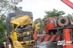 Tai nạn thảm khốc ở Huế, ít nhất 4 người thương vong