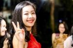 Bị phạt hát trước lớp, nữ sinh xinh đẹp ĐH Vinh khiến dân mạng tìm kiếm