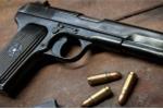 Cán bộ xã chết khi đi bắn chim, nghi do súng bị cướp cò