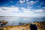 Rác thải đang giết chết hồ cao nhất thế giới Titicaca