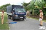 CSGT lập chốt chặn xe quá tải né trạm cân, trạm thu phí, cày nát đường liên xã