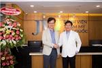 TS.BS Man Koon Suh đến Việt Nam cứu chữa cho nhiều ca phẫu thuật mũi khó