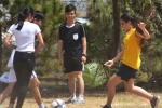 Nữ Hải quân Mỹ giao lưu bóng đá với trẻ em làng SOS Đà Nẵng