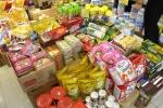 Thực phẩm xách tay tràn ngập thị trường: Lo hơn mừng