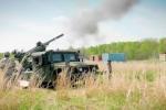Video: Quân đội Mỹ thử nghiệm lựu pháo 105 mm gắn trên xe quân sự Humvee