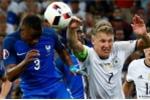 Trọng tài Italia cho Pháp hưởng phạt đền là chính xác