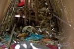 Kỳ lạ ngôi làng phơi xác chết trong lồng tre để... tự phân hủy