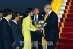 Cô gái may mắn được tặng hoa cho Tổng thống Mỹ Donald Trump là ai?