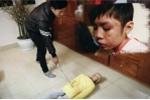 Hoàn tất hồ sơ khởi tố người cha bạo hành con