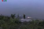 Thi thể người đàn ông nổi trên sông Lam