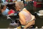 Bức ảnh gây sốc toàn nước Mỹ: Nước gần nhấn chìm một viện dưỡng lão