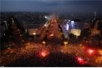 Ảnh: Nước Pháp có một đêm không ngủ ăn mừng đội tuyển quốc gia vô địch
