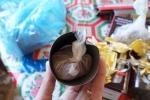 Tin hot 20/8: Tá hoả bột lạ trong bình nước Trung Quốc