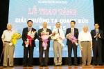 Phó giáo sư trẻ nhất Việt Nam nhận giải thưởng Tạ Quang Bửu 2015