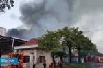 Video: Hơn 200 cảnh sát dập đám cháy ở KCN Vĩnh Lộc