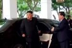 Clip: Ông Kim Jong-un bước vào khách sạn, chuẩn bị gặp riêng ông Trump
