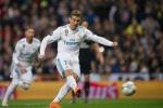 Bí ẩn trái bóng tự xê dịch trước khi Ronaldo sút phạt đền
