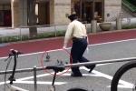 Clip bảo vệ Nhật Bản hộ tống đàn vịt sang đường gây sốt dân mạng