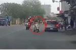 Clip: Nữ 'ninja' sang đường suýt gây họa cho đoàn đua xe đạp
