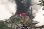 Tòa nhà 5 tầng trên phố Hà Nội bốc cháy ngùn ngụt lúc sáng sớm