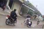 Đang đón xe khách, cô gái bị nhóm thanh niên bắt ép về làm vợ