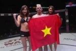 Võ sĩ Pháp giơ cao quốc kỳ Việt Nam sau chiến thắng ấn tượng ở ONE FC