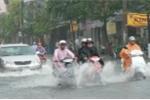 Áp thấp nhiệt đới sắp hình thành trên Biển Đông, Trung Bộ mưa lớn