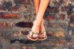 10 dấu hiệu ở bàn chân phải đi khám ngay coi chừng hối không kịp
