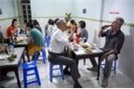Clip: Obama chia sẻ kỷ niệm 'ăn bún chả Hà Nội' với đầu bếp vừa tự tử