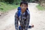 Khâm phục cậu bé đi học bằng tay sắp trở thành sinh viên