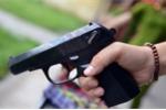 Truy tố kẻ côn đồ bắn tài xế xe ôm ở Bến xe Miền Đông