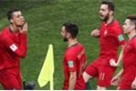 Ghi 3 bàn, Ronaldo ăn mừng 'đá xoáy' Messi