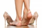 Chọn giày thế nào để bảo vệ đôi chân?
